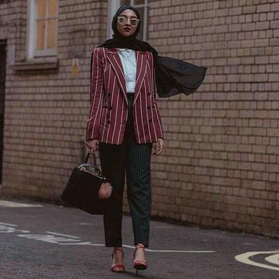 Ingin Tampil Simpel dan Minimalis? Tips Padu Padan Outfit Hijab Stripes Ini Wajib Kamu Coba, Ladies!