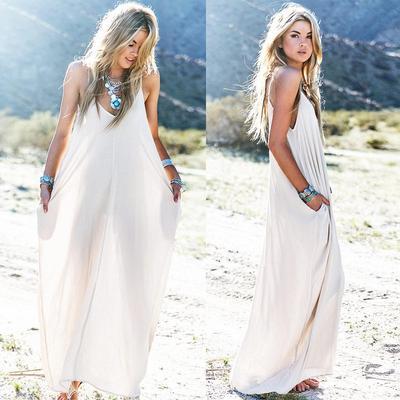 Enggak Harus Pakai Bikini, Ini Referensi Baju untuk ke Pantai yang Enggak Kalah Kece!