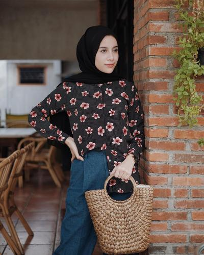Floral Tops with Rattan Bag