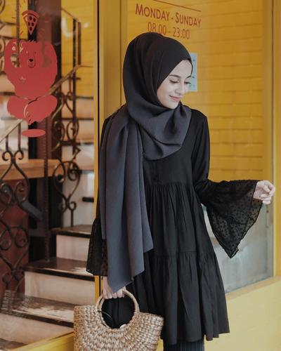 Ruffles Blouse and Pashmina Hijab
