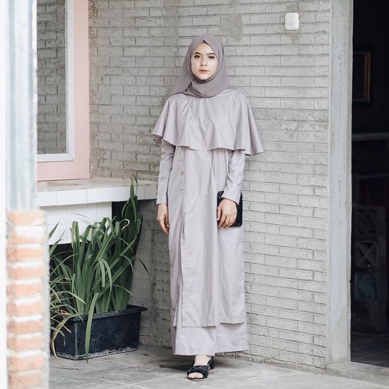 Deretan Model Dress Anggun Tanpa Kesan Tua dan Bisa Dipakai untuk Hangout ke Mall