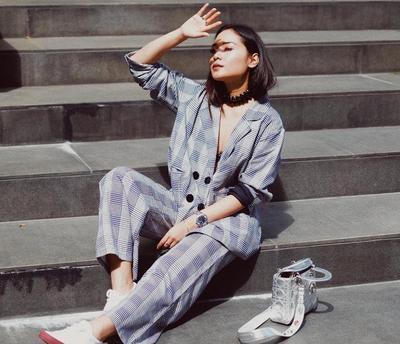 Rapi, Sopan, dan Modis: Ini 4 Model Baju Wanita Buat Kamu yang Suka Tampil Kece Saat ke Kantor