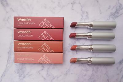 Wardah Intense Matte Lipstick vs Wardah Long Lasting Lipstick, Lebih Bagus yang Mana ya Dear?