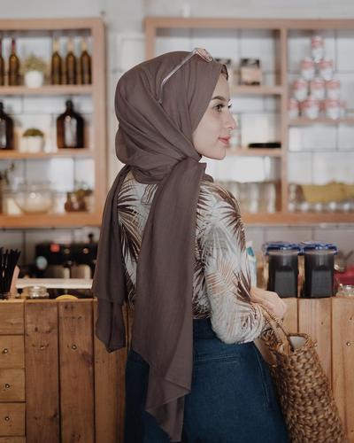 Cocok Untuk Segala Occasion, Ini Gaya Hijab Simple dan Elegan yang Wajib Kamu Coba!