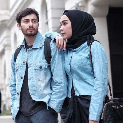 Inilah Gaya Couple Hamidah Rachmayanti dan Farhad yang Bisa jadi Inspirasi Kamu dan Pasangan!