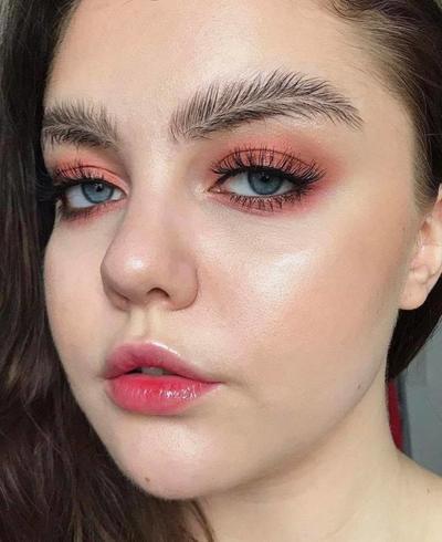 Jangan Lagi, Inilah Model Alis yang Wajib Kamu Hindari di Tahun 2018!
