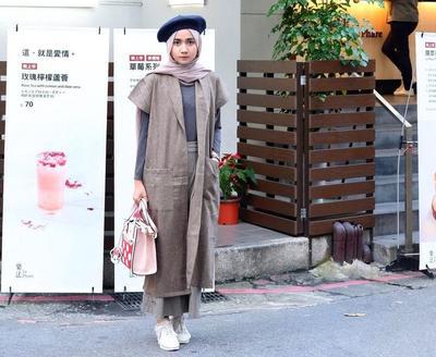 Hijabers, Saatnya Tampil Beda dengan Inspirasi Mix and Match Vest Hijab Seperti Ini!