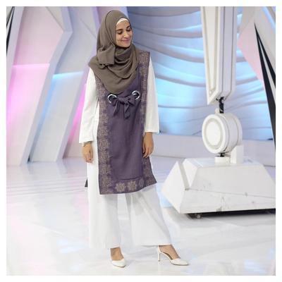 Sering Menggunakan Hijab Menutup Dada, Style Hijab Kekinian Shireen Sungkar Banyak Jadi Inspirasi