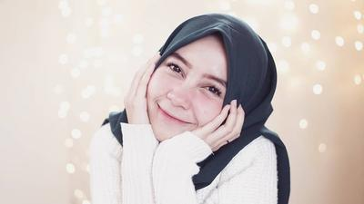 Biar Pipi Chubby Kamu Tertutupi, Pakai Hijab dengan Cara Ini aja Ladies!