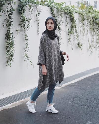4. Tunik and White Shoes