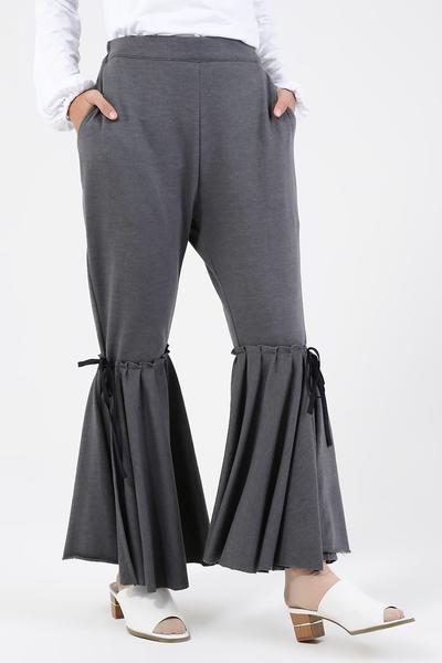 Hijabers, Inilah Model Celana Muslimah yang Lagi Populer di Tahun 2018