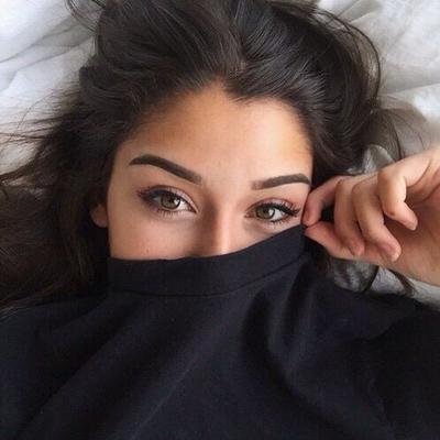 Ladies, Jadikan Selfie Lebih Sempurna dengan 4 Trik Make Up Ini, Siap-siap Eksis di Instagram!