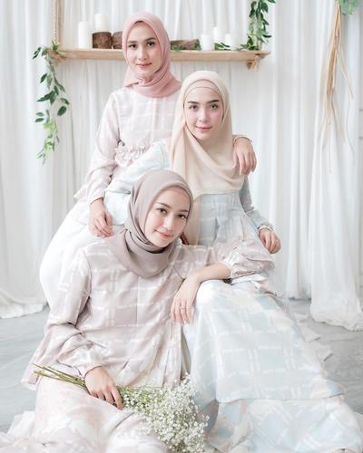 Jangan Salah, Ini Cara Merawat dan Mencuci Dress Pesta Untuk Para Hijabers