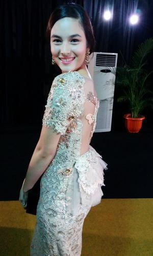 Tetap Sederhana Tapi Elegan, Padu Padan Gaya Kondangan Para Selebriti Indonesia Patut Ditiru!