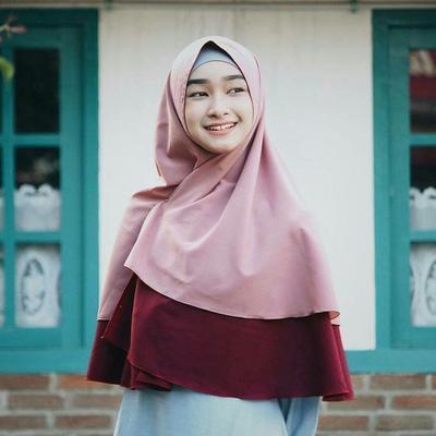 Tak Melulu Tua, Begini Cara Memakai Hijab Syar'i Untuk Remaja!