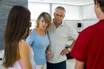 4. Belum Mendapatkan Restu Orang Tua