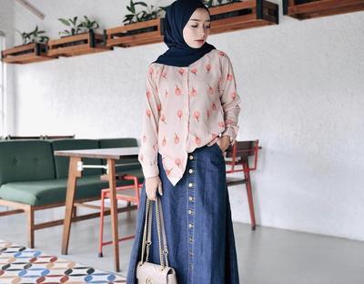 Gemas dan Tetap Fashionable, Begini Mix and Match Rok yang Super Kece untuk Hijabers