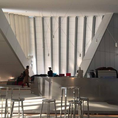 Buka Kafe Miliknya Sendiri, G-Dragon Menerapkan Konsep Interior yang Futuristik dan Cozy, Intip Yuk!