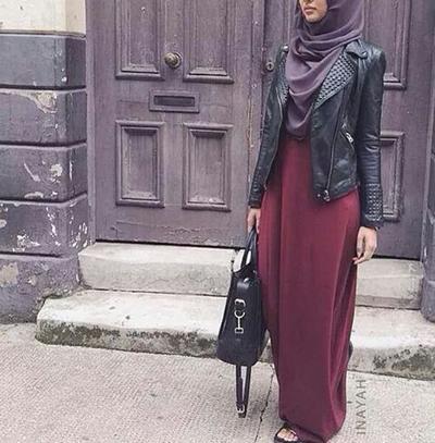 Jangan Salah, Ini Dia Rahasia Style Outfit Hijab Syar'i Untuk Remaja Tanpa Terkesan Tua
