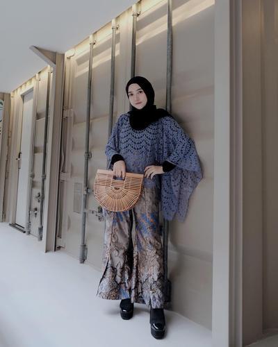 Tips 2: Brokat dan Batik