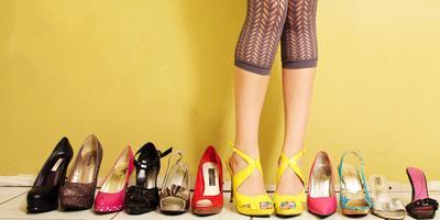 Kenapa 3 Model Sepatu Ini Enggak Boleh Kamu Pakai Saat ke Mall? Ini Alasannya