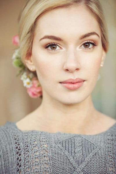 Tak Perlu Selalu Make Up Tebal, Ini Alasannya Make Up Natural Lebih Baik Bagi Mempelai Wanita