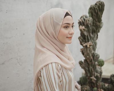 Inilah Gaya Hijab Pashmina yang Paling Sering Dipakai Para Selebgram, Suka yang Mana?