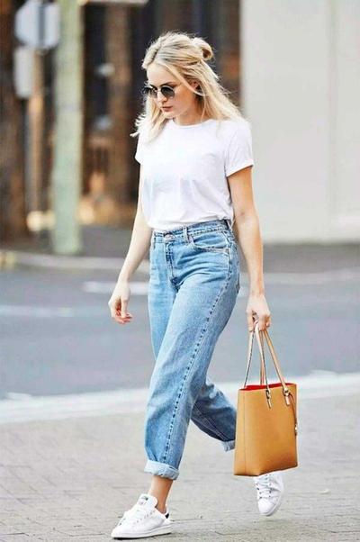 T-Shirt & Jeans