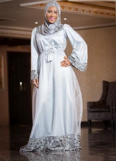 Dress Putih Wanita Behijab