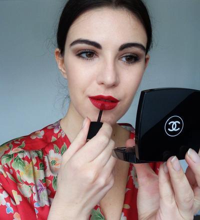 Hobi Menggunakan Lipstik Matte? Jangan Sampai Melakukan 4 Kesalahan Mainstream Ini, Ladies!