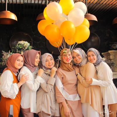 Ini Pilihan Warna dan Model Hijab yang Bisa Dipakai Saat Acara Bridal Shower, Lebih Gemes Mana?