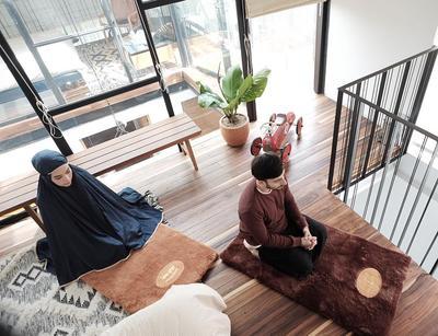 Ramadhan Sebentar Lagi! Siapkan Sajadah Cantik Kamu di Rekomendasi Online Shop Ini
