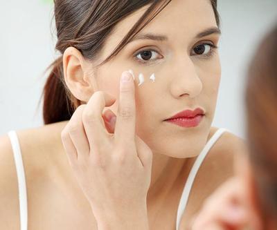 Ternyata Ini 5 Rahasia Hilangkan Under Eye Cekung yang Mengganggu Penampilanmu!