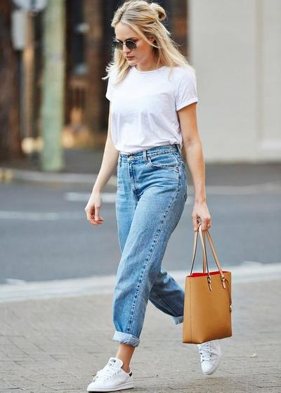 Cuffed Jeans for The Modern Look