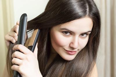8 Cara Mencatok yang Benar Agar Rambut Tidak Gampang Rusak dan Patah