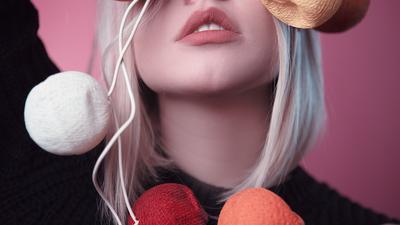 Ladies, Ini 4 Cara Mudah Bikin Warna Lipstik Tahan Seharian