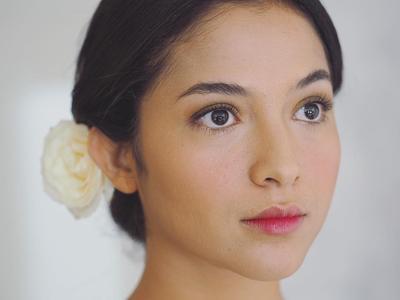 Memilih Make Up Natural di Hari Pernikahannya, 5 Artis Ini Cantiknya Tak Masuk Akal!