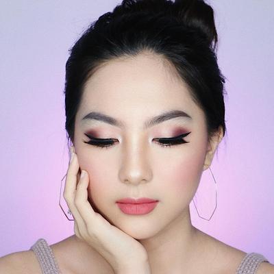 Biar Enggak Boros, Begini Trik Ciptakan Eyeshadow yang Hasilnya Super Pigmented