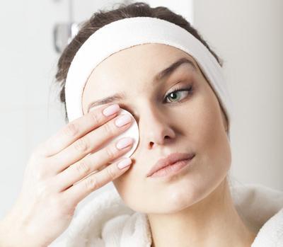 Menggunakan Eyelash Extension, Yuk Rawat dengan 5 Tips Mudah Ini!