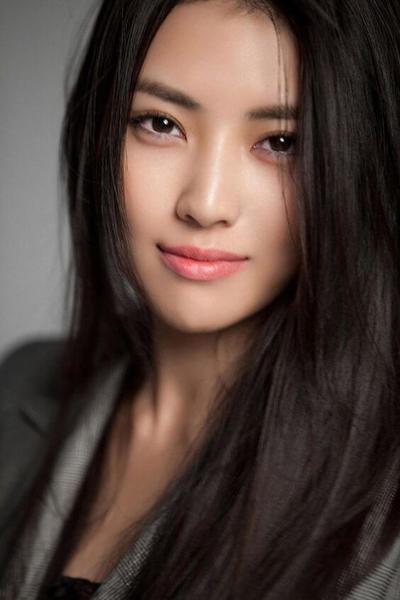 Ternyata Ini Lho Gaya Make Up Wanita yang Merupakan Favorit Para Pria, Ladies!