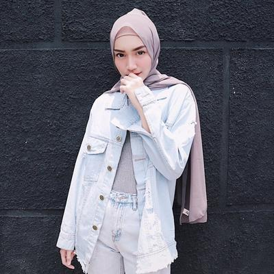 Sebagai Hijabers Baru, Gaya Hijab Stylish dan Simpel Melody Prima Bisa Jadi Inspirasi Nih