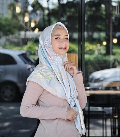Tampil Keren ke Kampus untuk Hijabers Mungil dengan Inspirasi dari Fashion Hijabers Joyagh!