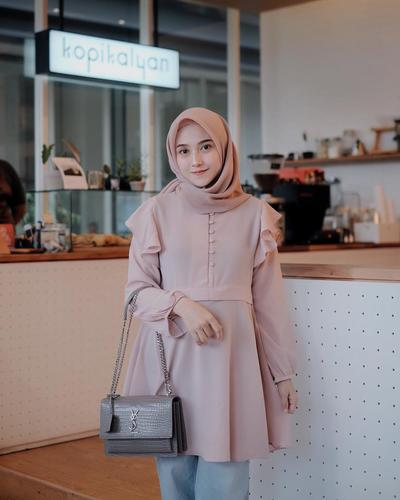 So Inspiring! 5 Selebgram Hijab Ini Ternyata Punya Bisnis Online yang Laris Parah!