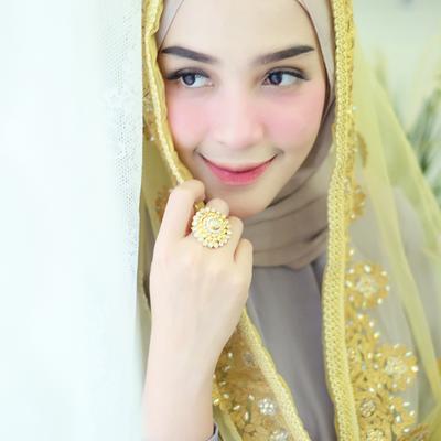 Feeds Instagramnya Selalu Flawless, Ini Tutorial Makeup Ala Hijabers Cantik Hamidah Rachmayanti