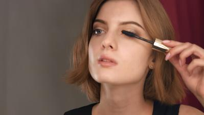 Tetap Flawless dan Enggak Bikin Tua, Ini Gaya Make Up yang Harus Dipilih Remaja Umur 20an