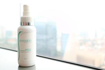 Avoskin Hydrating Treatment Essence Spray