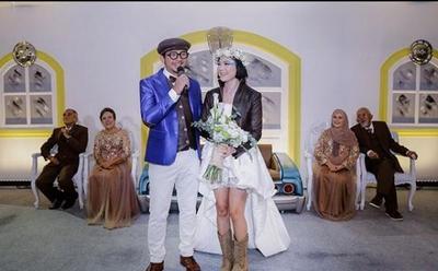 Nyentrik di Resepsi Pernikahan