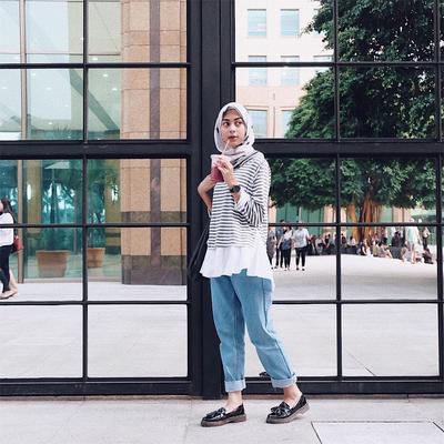 Mix n Match Celana Jeans dan Outfit Hijab yang Tepat untuk Hijabers Remaja Belasan Tahun