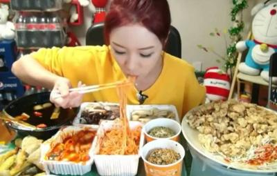 #FORUM Makan Pedas bikin Wajah Berjerawat
