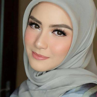 Wah! Ini Dia Tips Makeup Kondangan Untuk Hijabers Ekstra Cepat Hanya Dalam 10 Menit